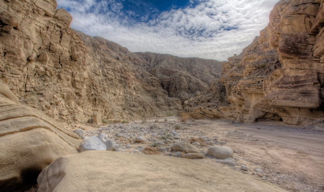 Large rocks from upstream washed down by some serious water flowing through the canyons.  Click on image to enlarge