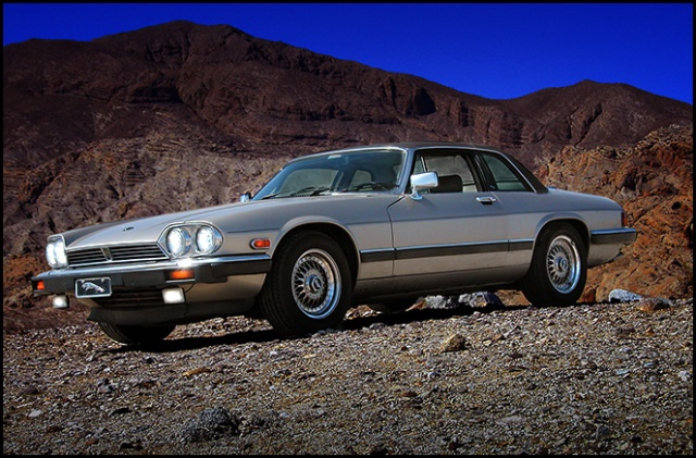 This is the original look of my XJ-SC in Silver Birch.  Taken in Anxa-Borrego Desert State Park.
