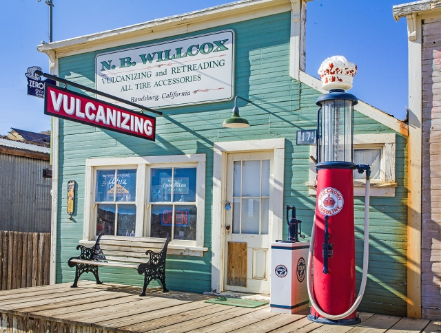 Old gas and service station, Randsburg