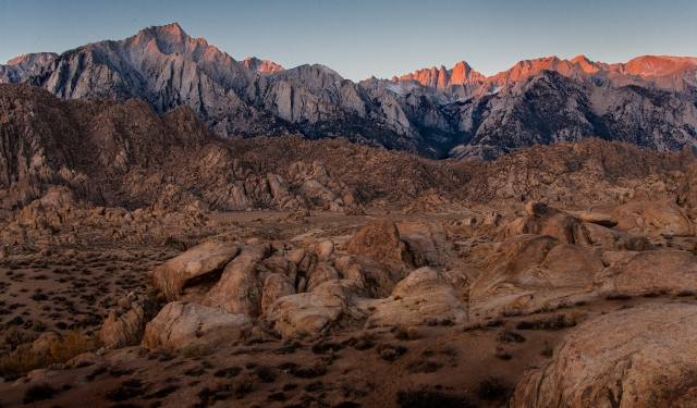 Iconic view of the sunrise on Mt. Whitney over the Alabama Hills.  Canon 1Ds MkII with Sigma 50-500 f4.5 at 50mm.  You can click on this or other images to see them enlarged.