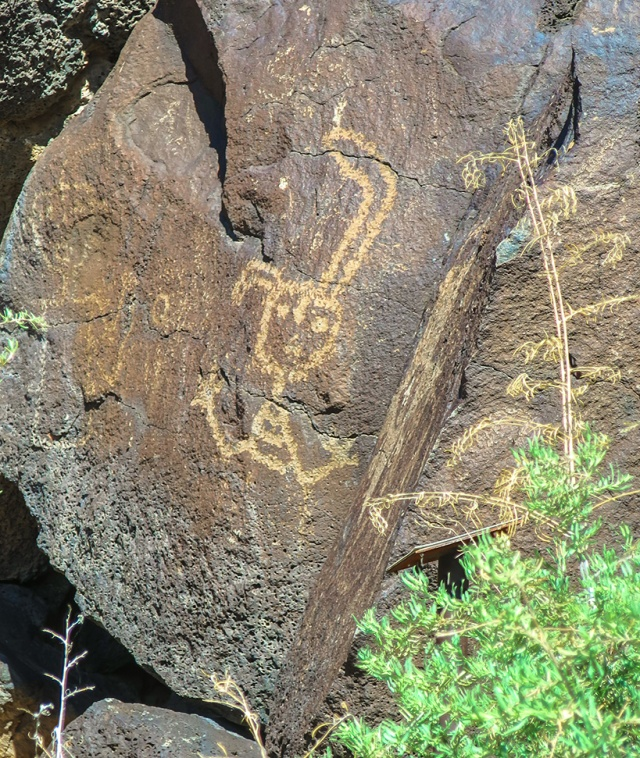 Symbolic petroglyphs.  Canon S120