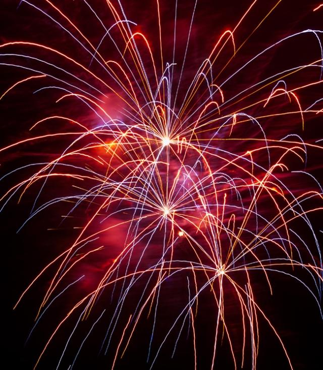 Fireworks Sea world 6-26 - 001 for blog