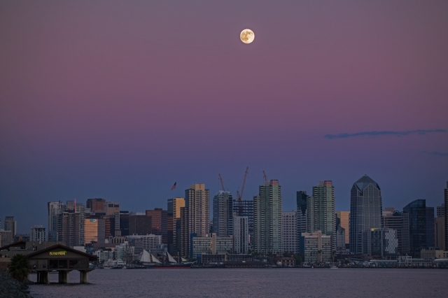 Test shot o supermoon rising oer San Diego.  Shot from Harbor Island.